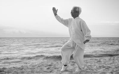 9/2 発売【高齢者住宅新聞】に、パワープレート®の記事が掲載されました!